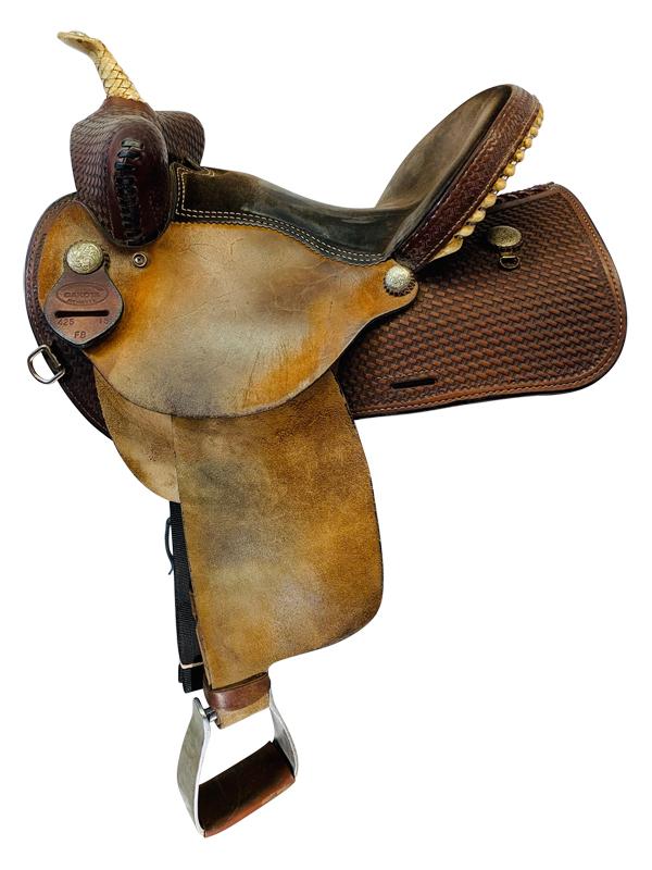 15 Inch Used Dakota Barrel Saddle 425