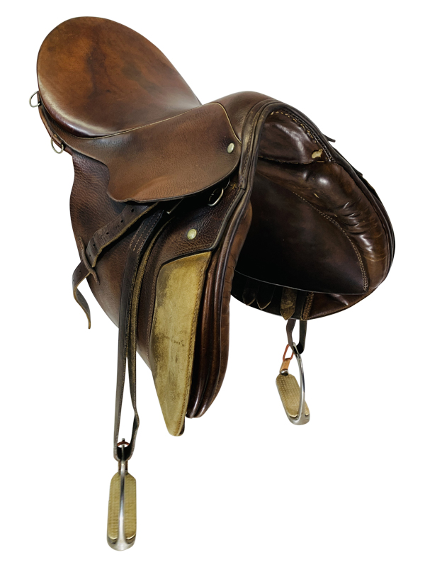 16.5inch Used Stubben Close Contact Saddle Custom